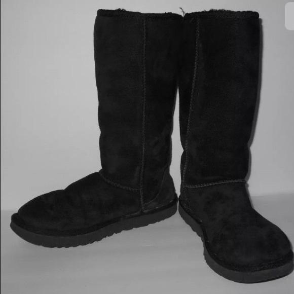b9d397fd53c Black Ugg Classic Tall II Boots